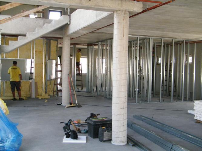 Irodaház építés